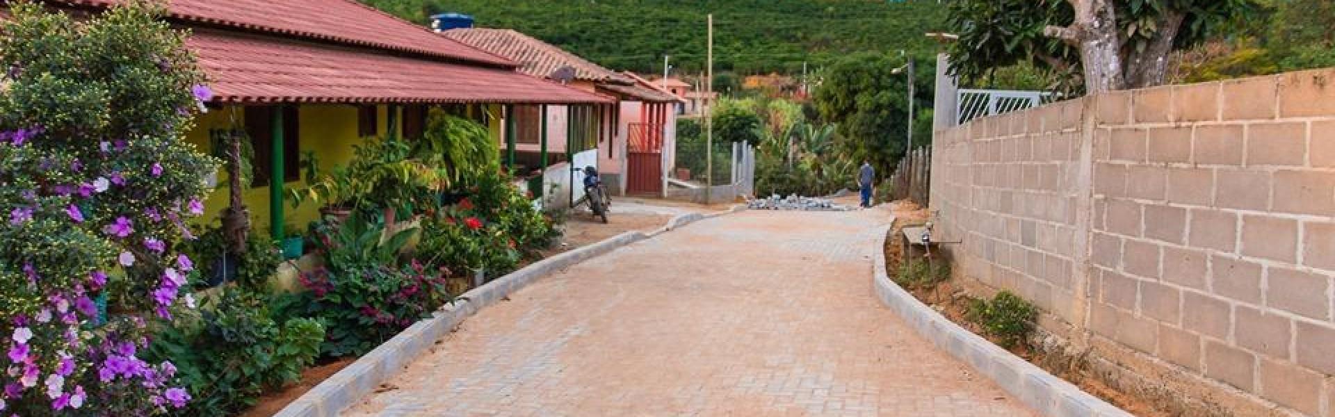 Obras do calçamento rural nas localidades de Limoeiro do Caravagio e Limoeiro de Santo Antônio