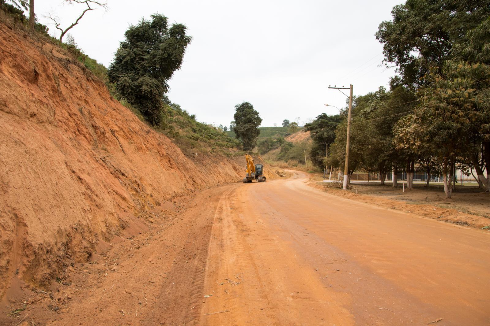 Obras para pavimentação asfáltica até o Rizzi iniciaram