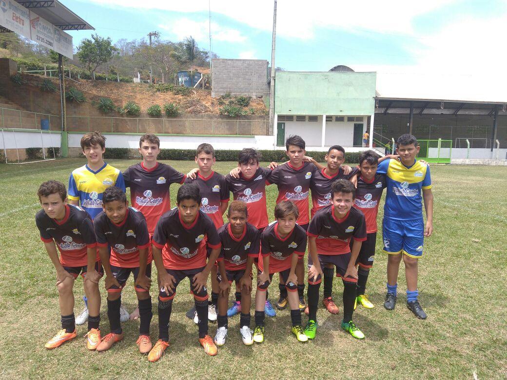 Atletas de Itarana participam da Copa A Gazetinha de futebol de campo