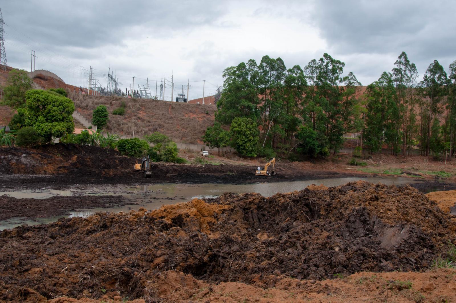 Mais uma barragem está sendo construída com o apoio da SEMAMA