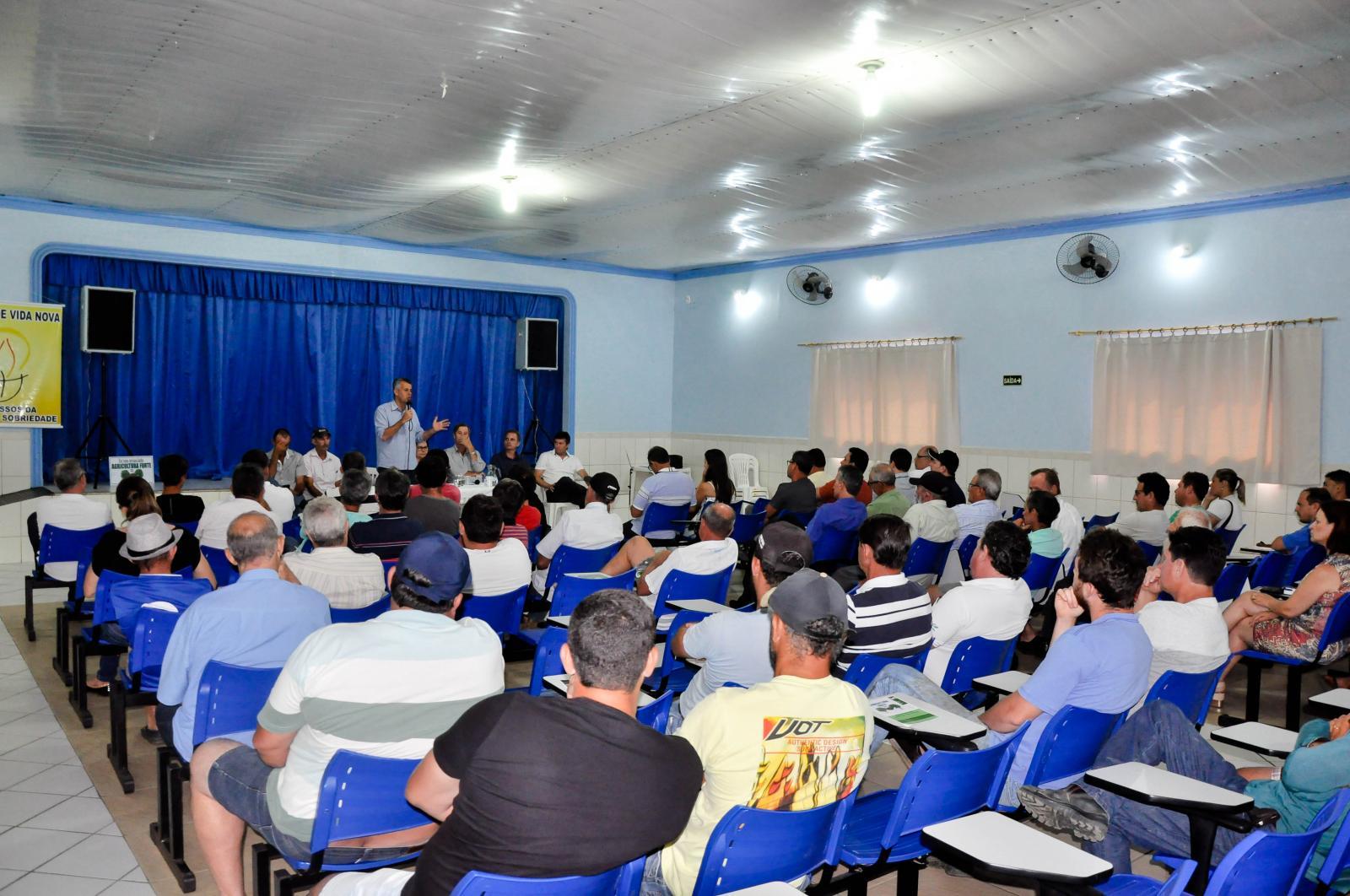 Reunião sobre a Sudene reuniu agricultores e comerciantes em Itarana