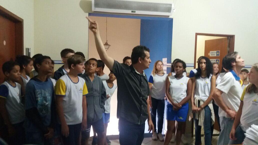 Alunos do ensino fundamental visitaram a Prefeitura de Itarana