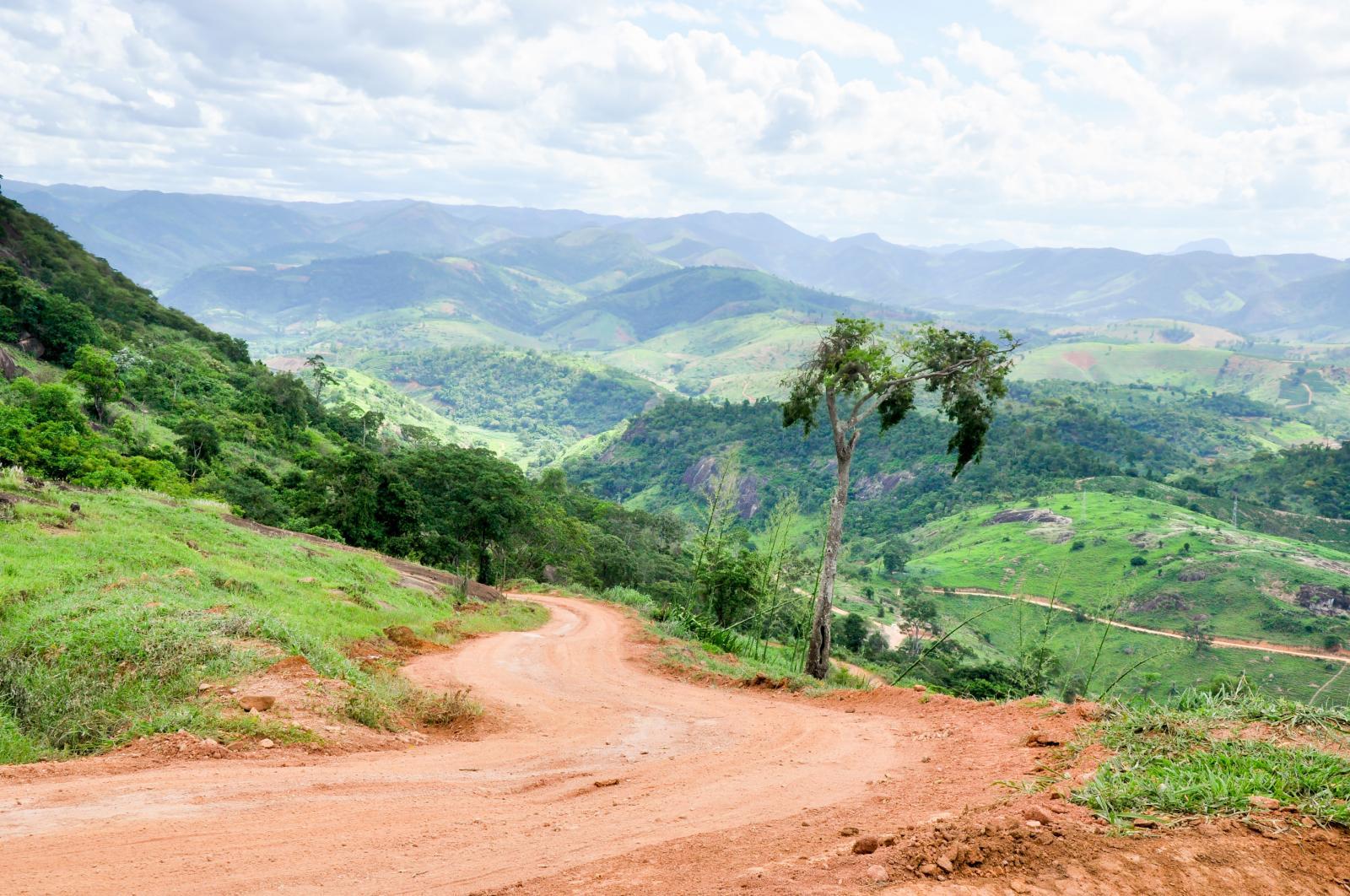 Estrada para Pedra Alegre recebeu manutenção