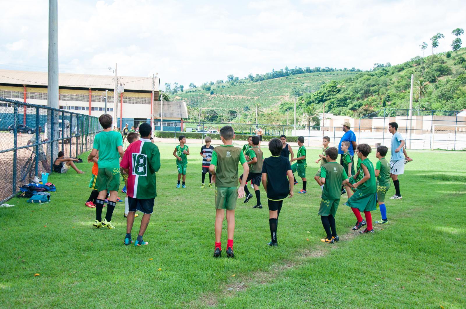 Após período de férias escolinhas esportivas iniciaram as atividades