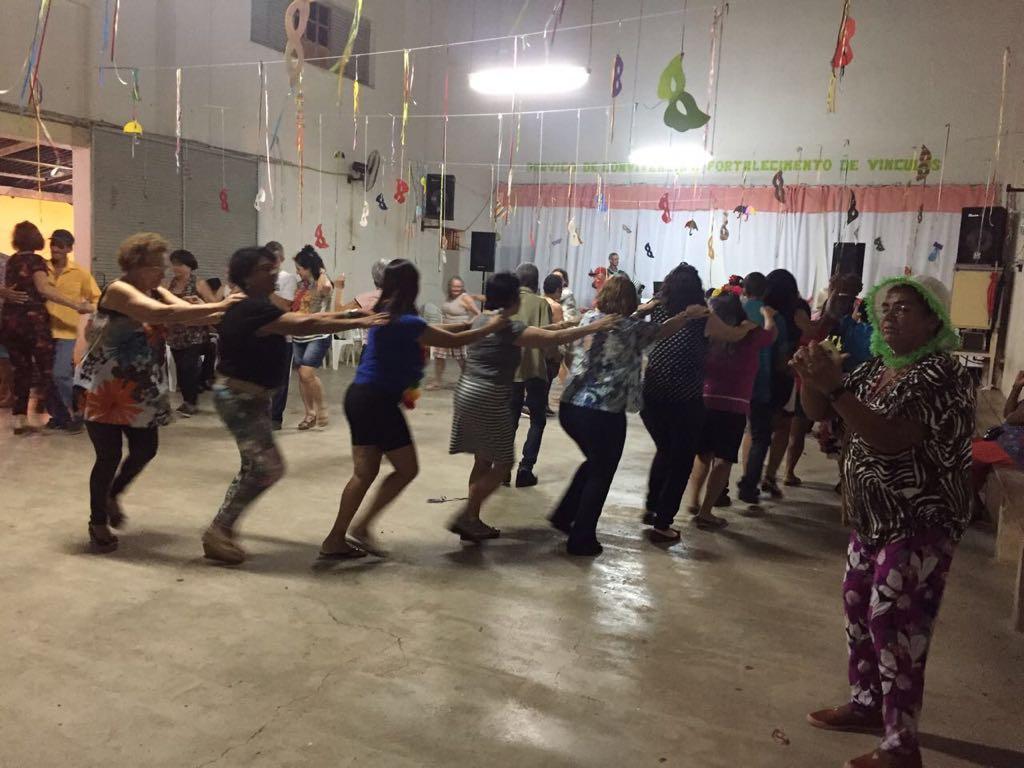 Serviço de Convivência realizou baile de carnaval para os idosos