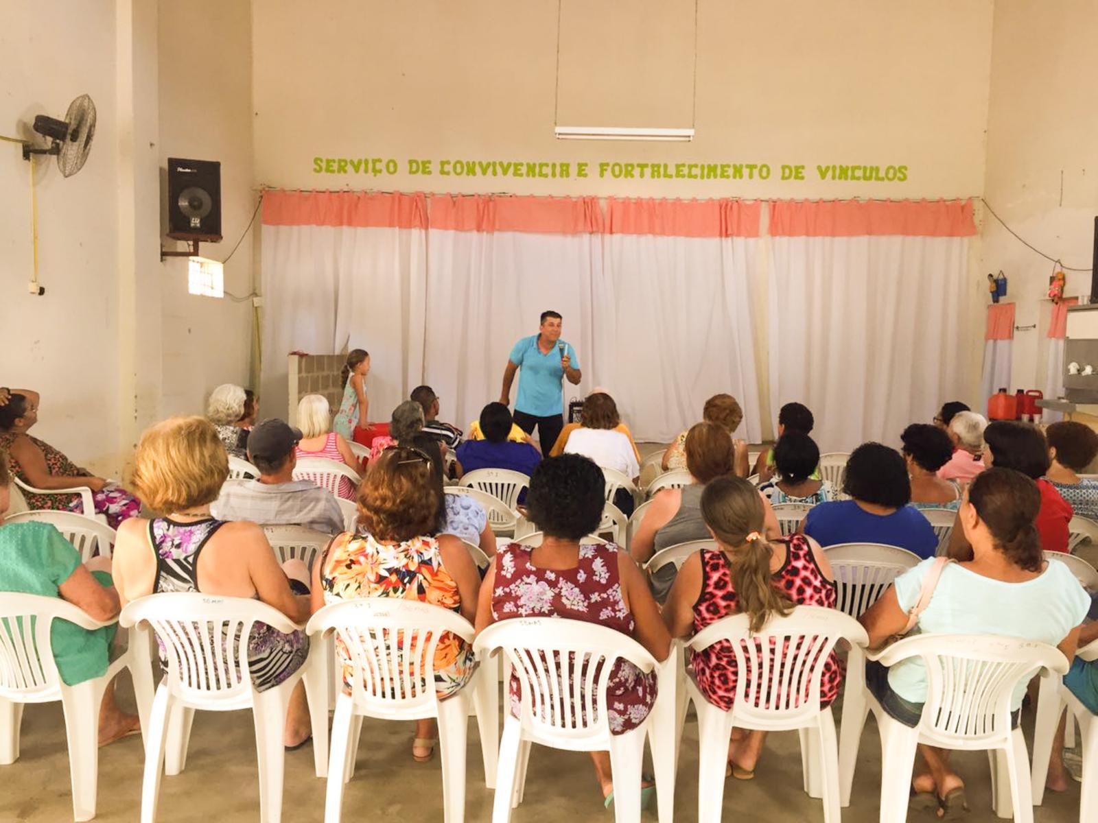 Usuários do SCFV participaram de palestra sobre a realidade da mulher na sociedade