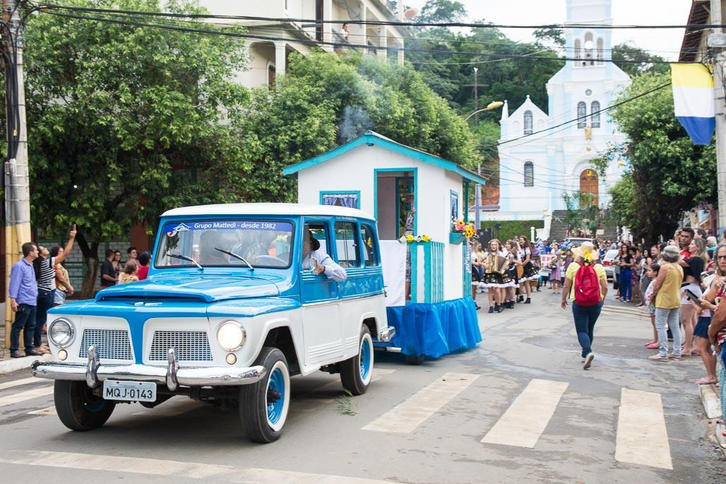 Desfile Histórico Cultural marcou os 54 anos de emancipação política de Itarana