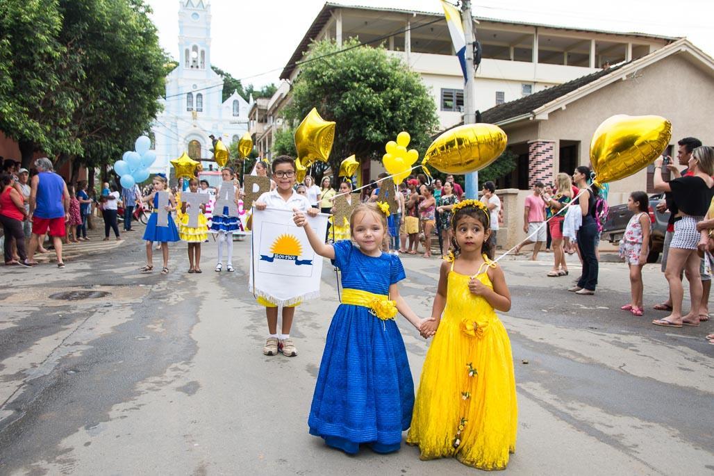 Desfile Histórico Cultural celebrou os 54 anos de emancipação política de Itarana