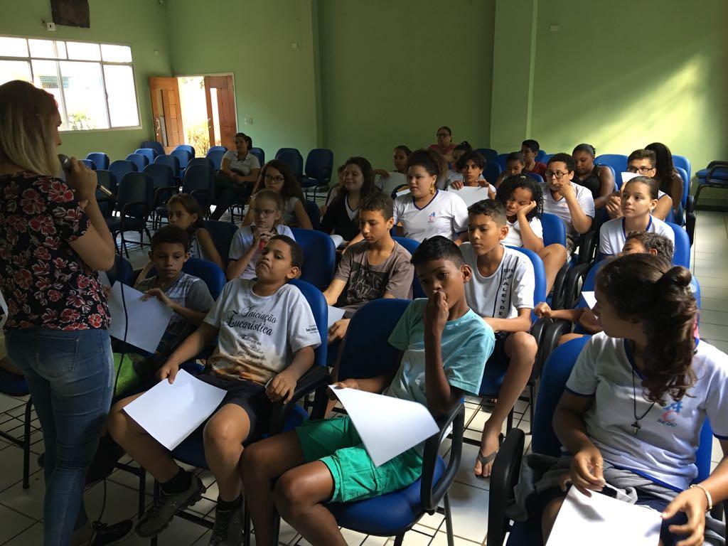 Creas desenvolveu palestra para combater Bullying entre alunos