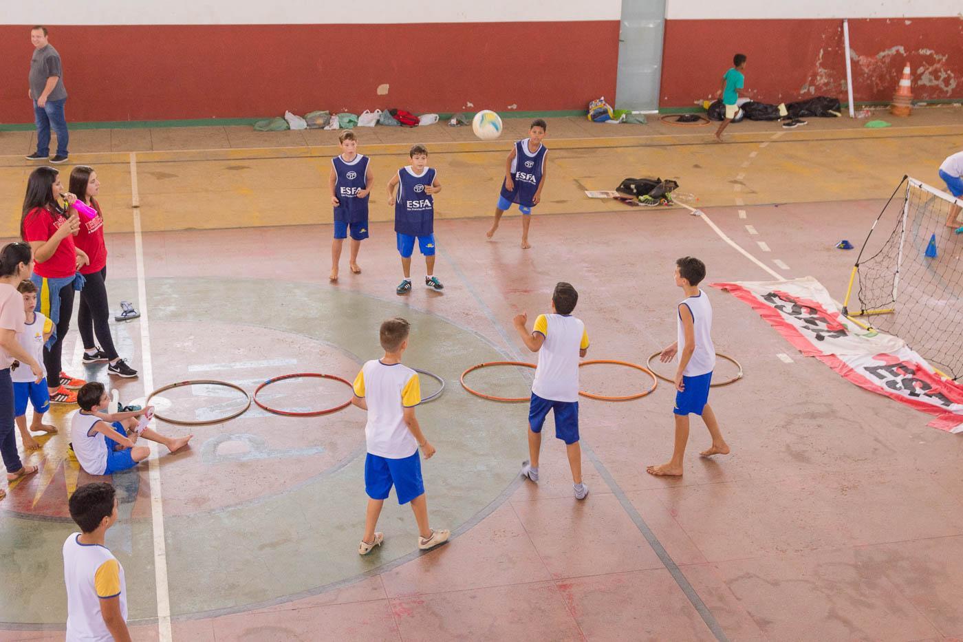 Modalidades esportivas, brincadeiras e ações de saúde marcaram a sexta-feira (10) em Itarana