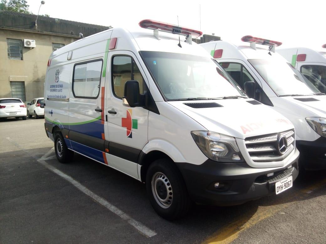 Secretaria de Saúde de Itarana contemplada com Ambulância Semi UTI