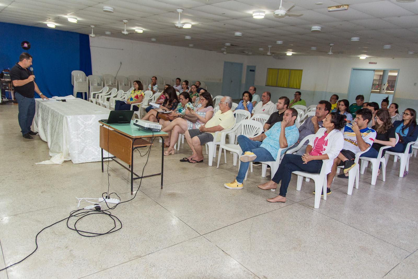 Prefeitura de Itarana apresenta investimentos para fortalecer a economia local