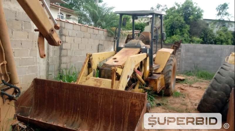 Prefeitura de Itarana está leiloando veículos e bens móveis inservíveis