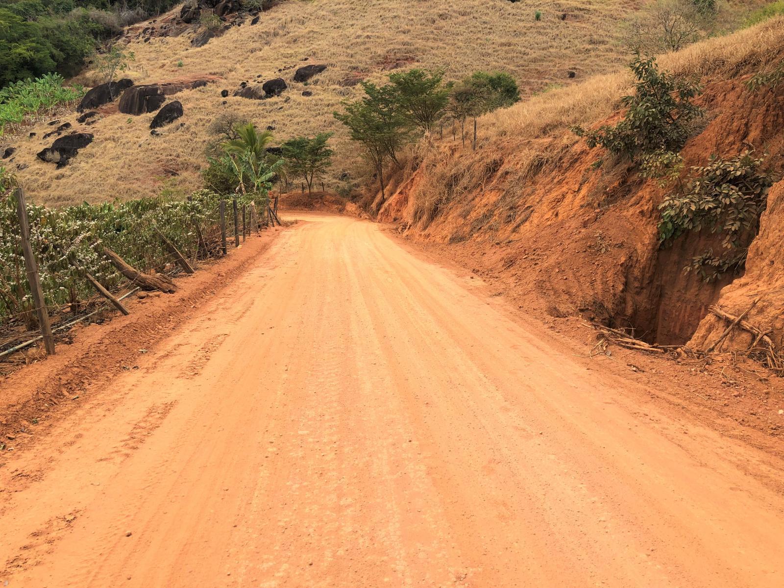 Via de acesso à estrada de Santa Helena começa a receber Revsol Plus