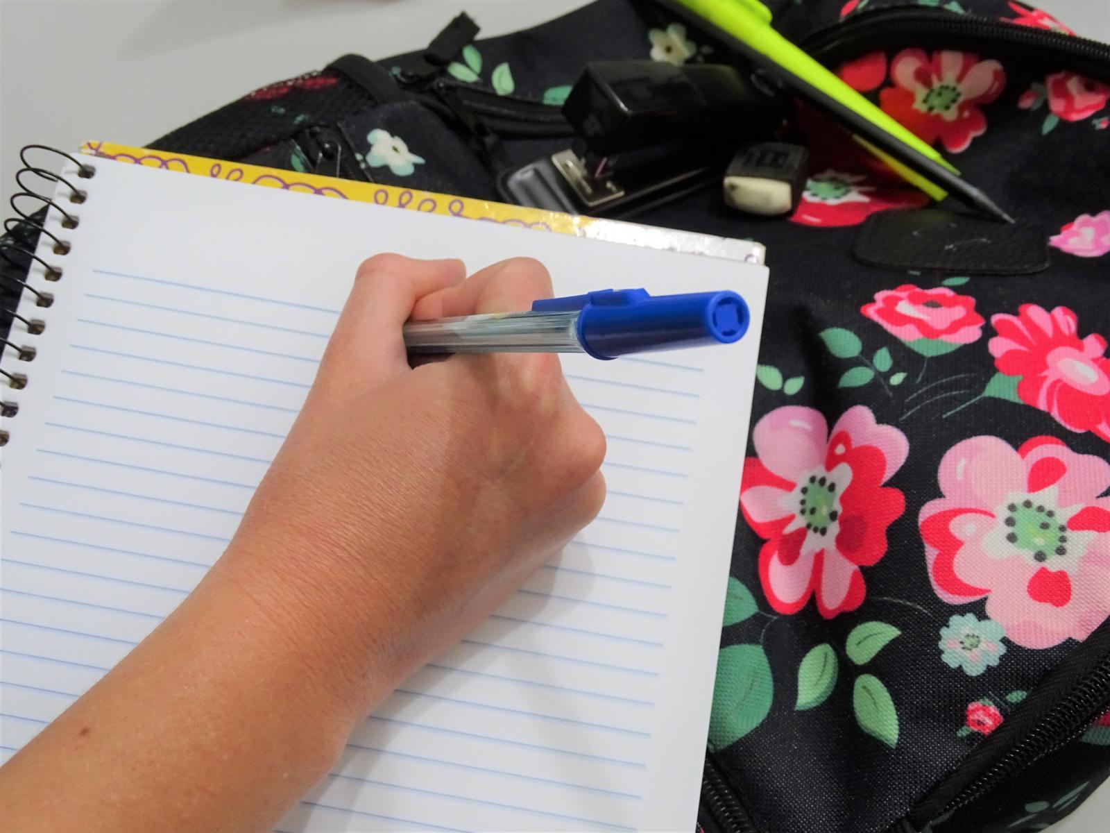 Prefeitura assina contrato de parceria para beneficiar servidores municipais com descontos em faculdade