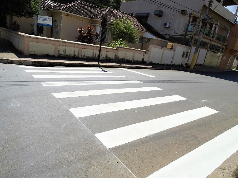 Revitalização da sinalização viária é realizada em Itarana