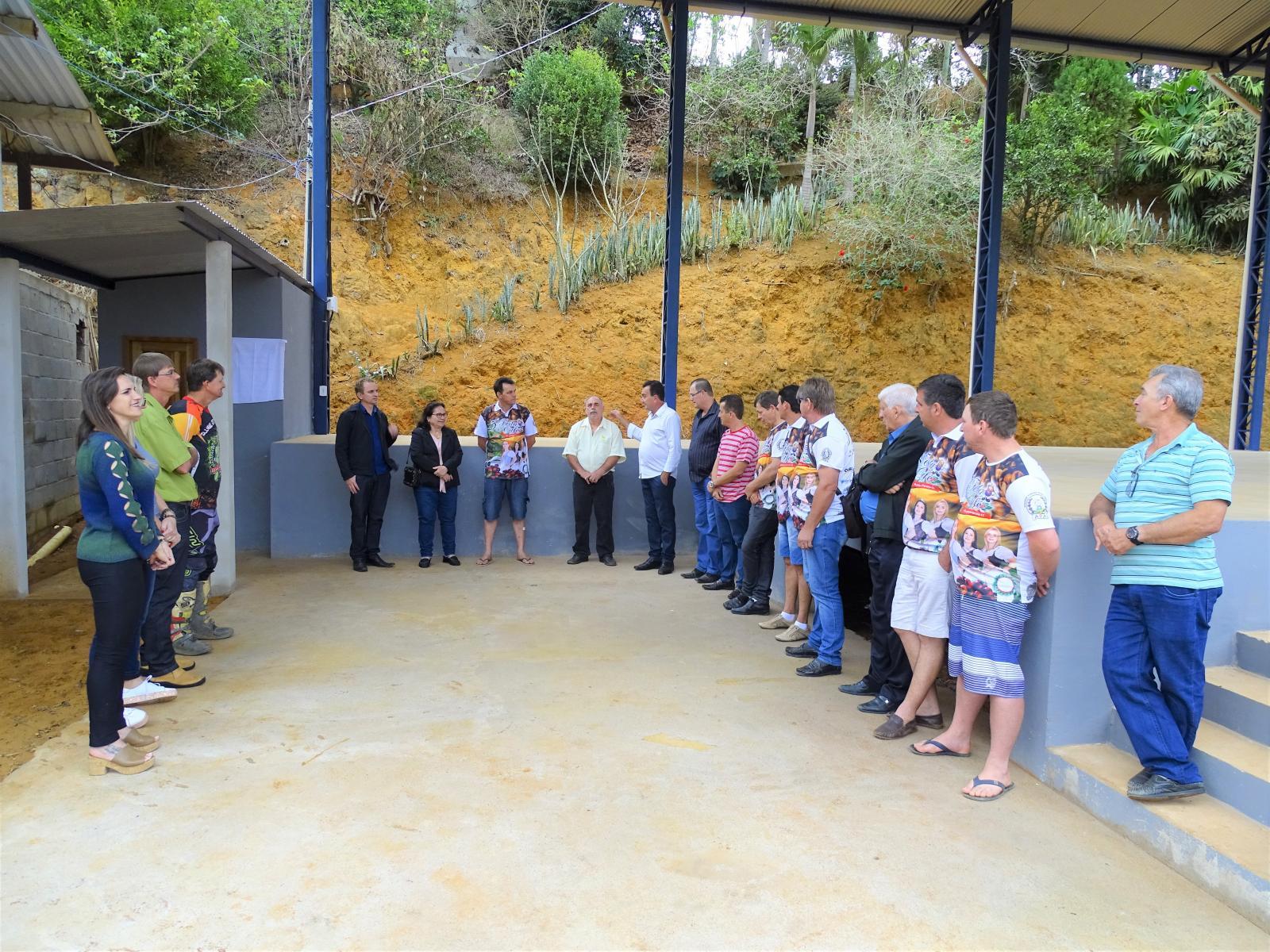 Construção do galpão multiuso em Alto Jatibocas tem melhorado o trabalho dos produtores rurais do município