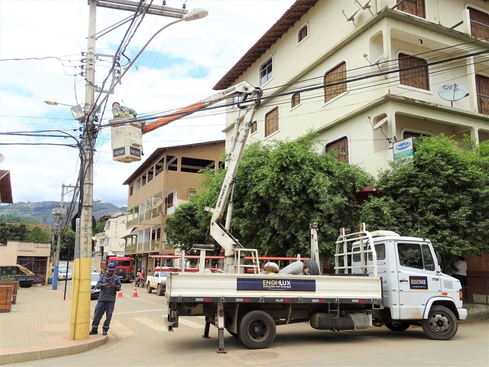 Município de Itarana revitaliza a iluminação pública