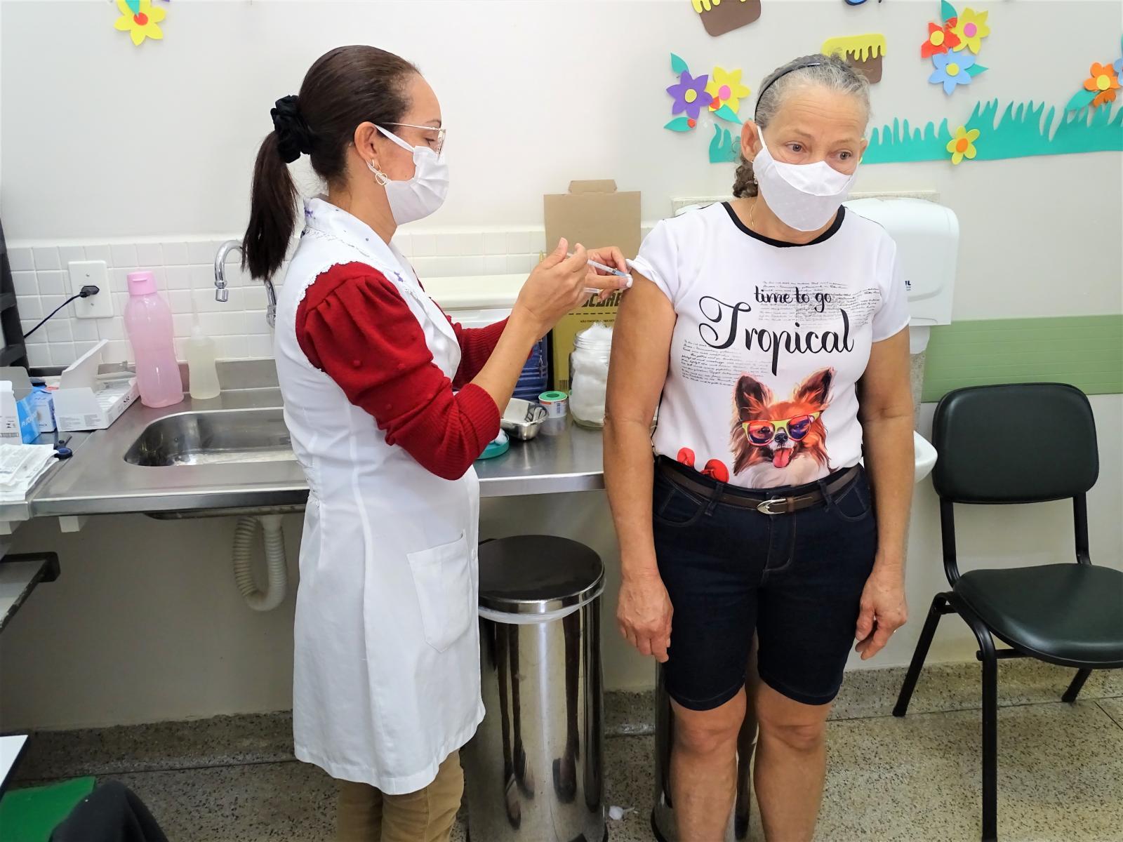 Após destaque como município que mais vacinou no estado proporcionalmente pelo número de habitantes, Itarana segue em ritmo intenso na imunização contra a Covid-19