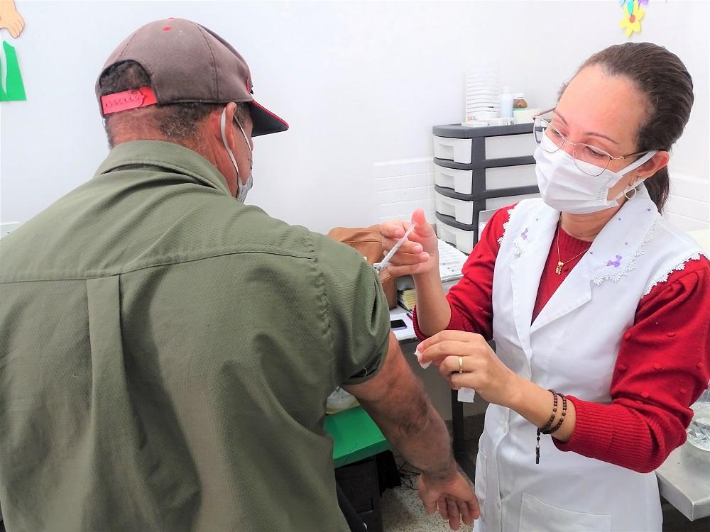 Após destaque como o município que mais vacinou no estado proporcionalmente pelo número de habitantes, Itarana segue em ritmo intenso na imunização contra a Covid-19