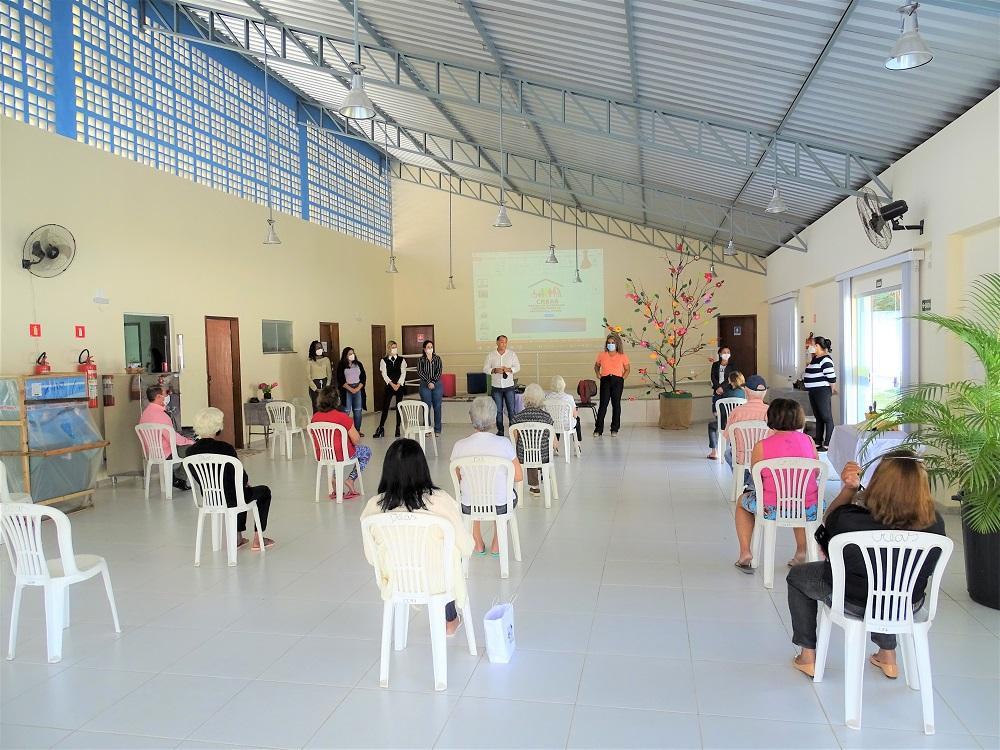 Idosos participam de evento sobre o Dia Mundial de Conscientização da Violência Contra a Pessoa Idosa promovido pela Secretaria Municipal de Assistência Social