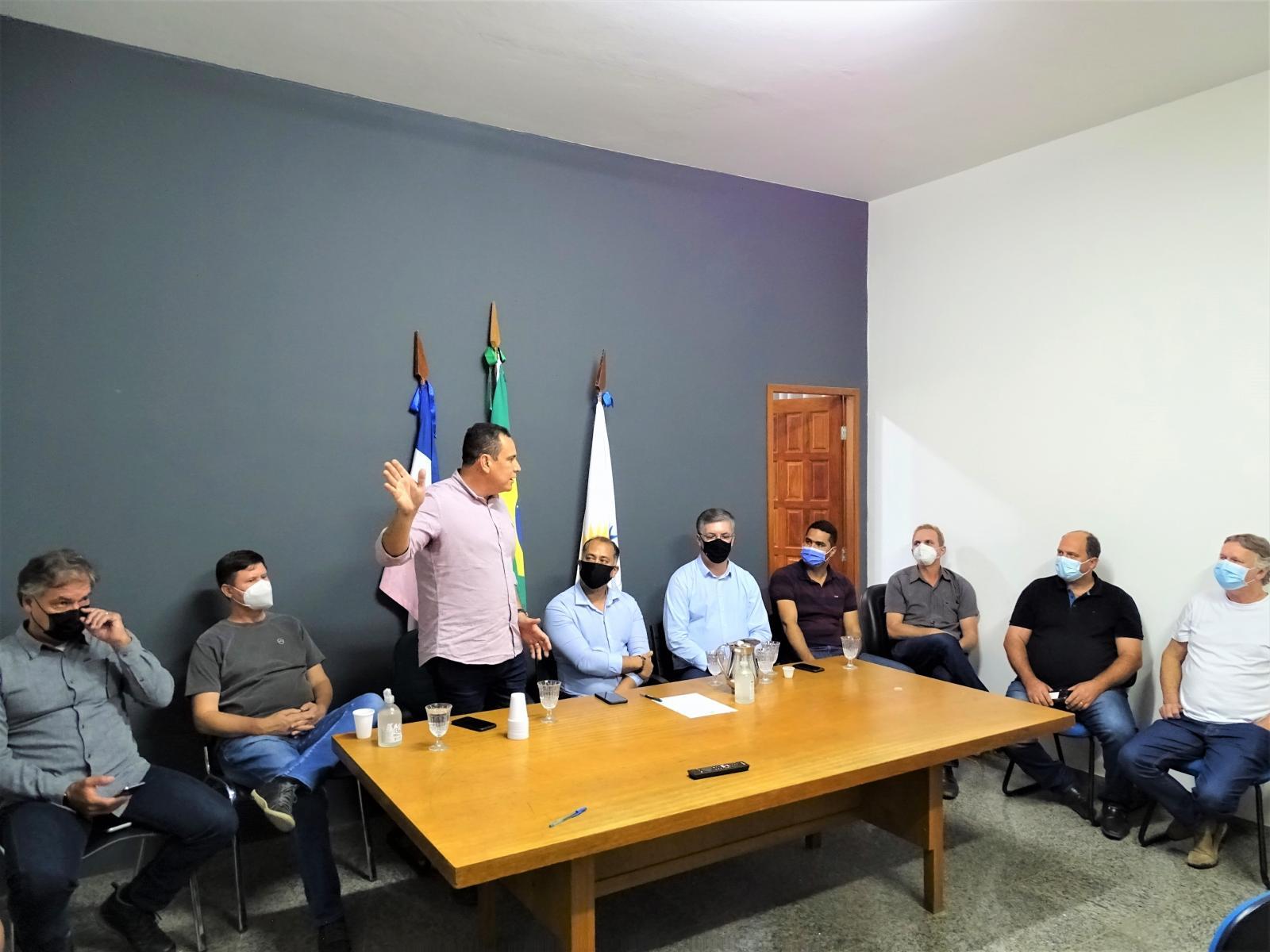 Prefeito Vander Patricio se reúne com autoridades para reivindicar estadualização da BR 484
