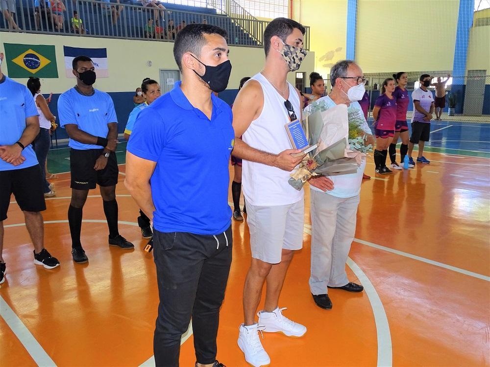 Abertura do Campeonato Municipal de Futsal de Empresas 2021 teve homenagem para o ex-treinador Antônio Pascoal Toniato