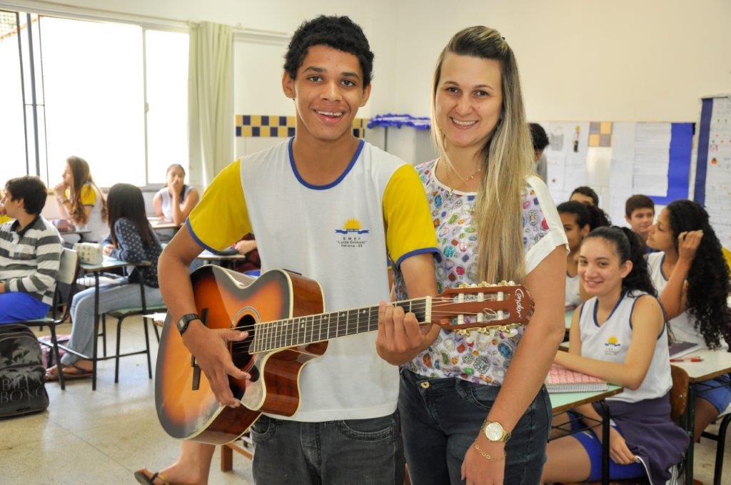 Talento de aluno é reconhecido na Escola