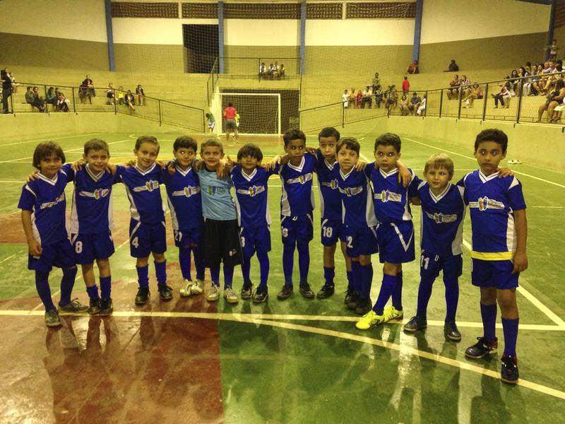 Futsal fraldinha participa de jogos amistosos