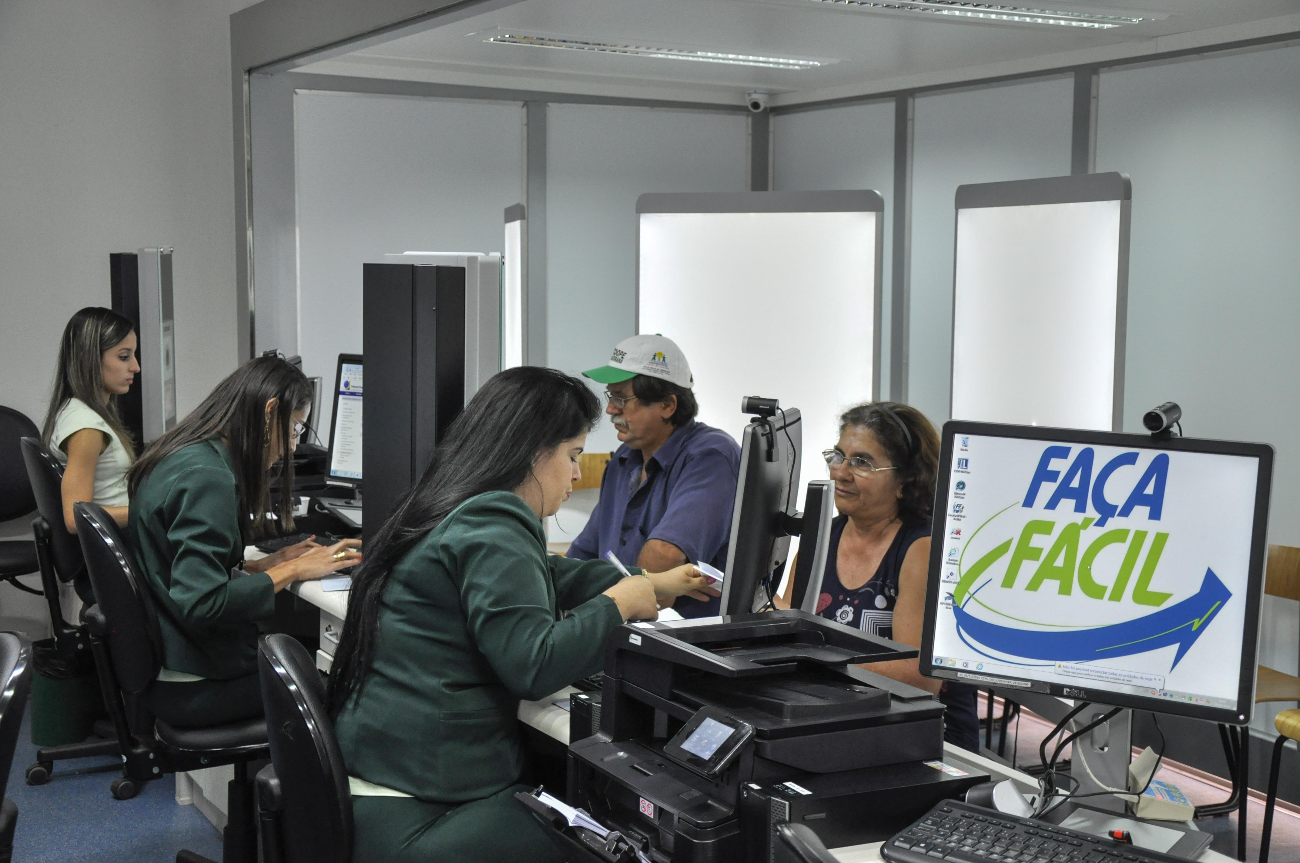 Unidade Móvel da Rede Faça Fácil já está atendendo em Itarana