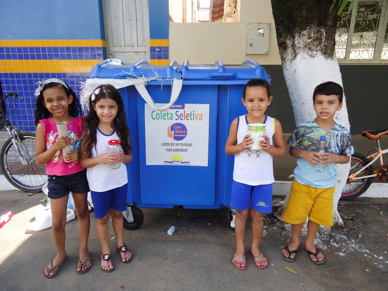Alunos da educação infantil promovem campanha de conscientização sobre a Coleta Seletiva