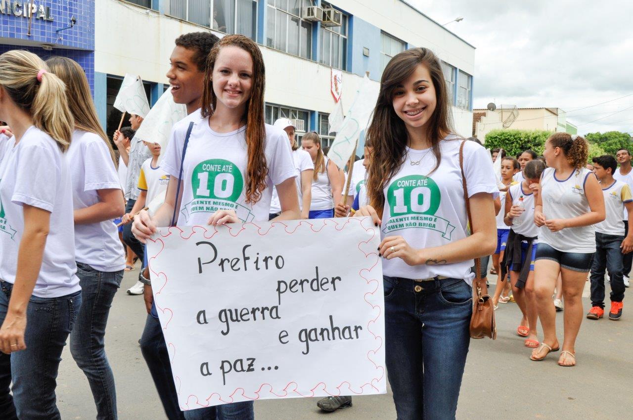Seminário e Caminhada pela Paz são realizados em Itarana