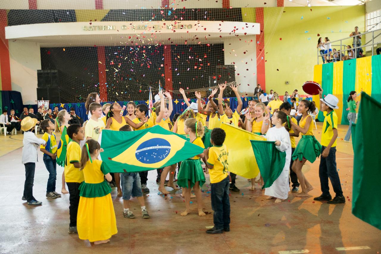 Independência do Brasil: Desfile cívico e apresentações culturais de Itarana