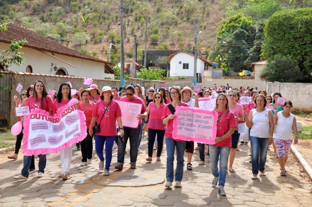 Itarana faz caminhada em apoio ao Outubro Rosa