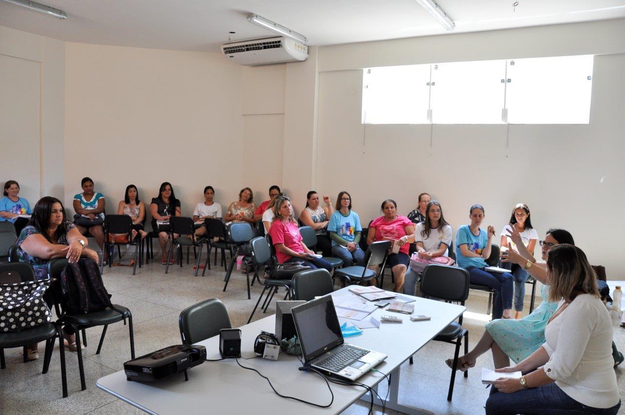 Servidores da saúde participam de capacitação sobre saúde mental e usuários de drogas