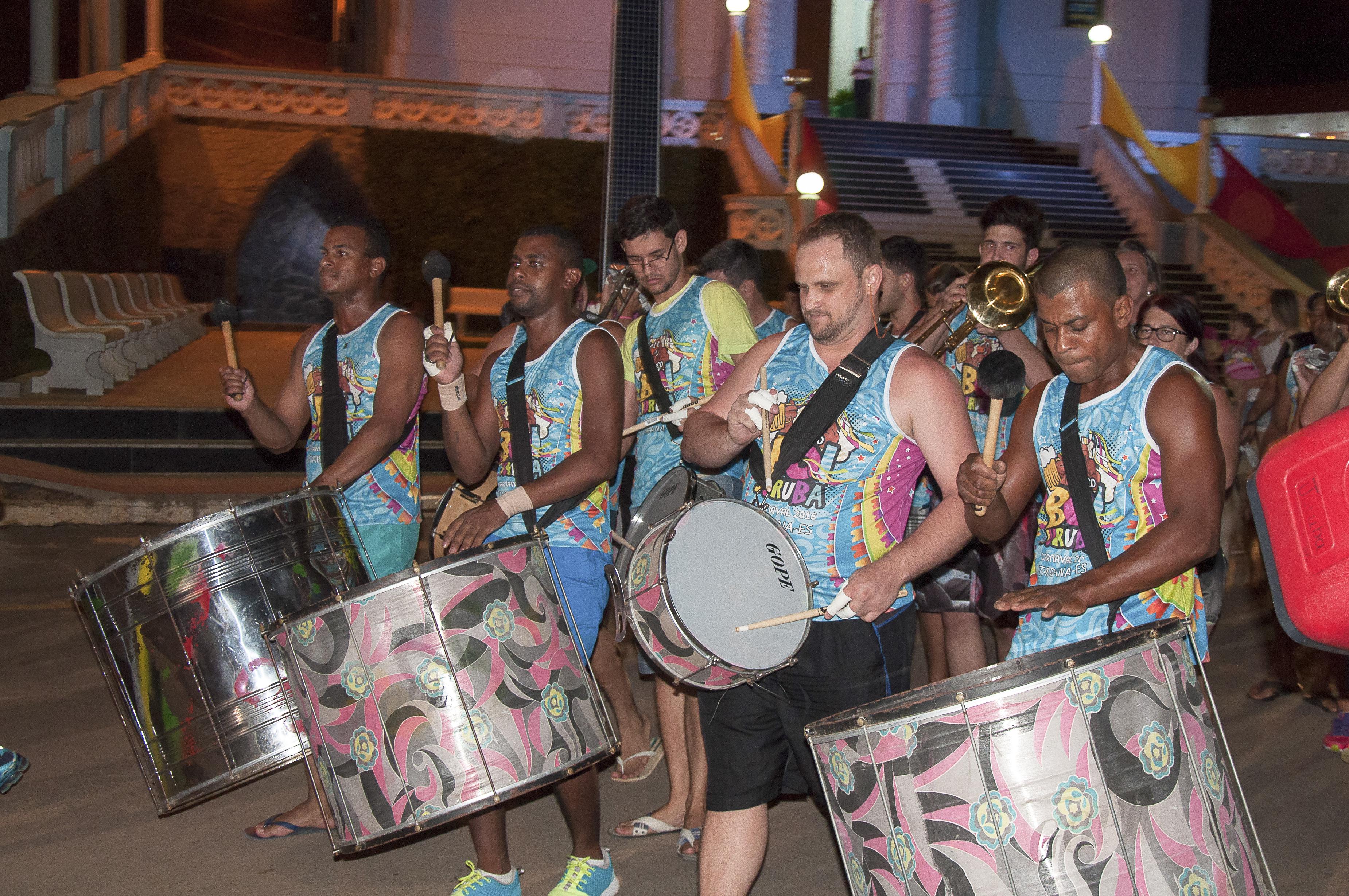 Blocos de rua animam o Carnaval de Itarana 2016