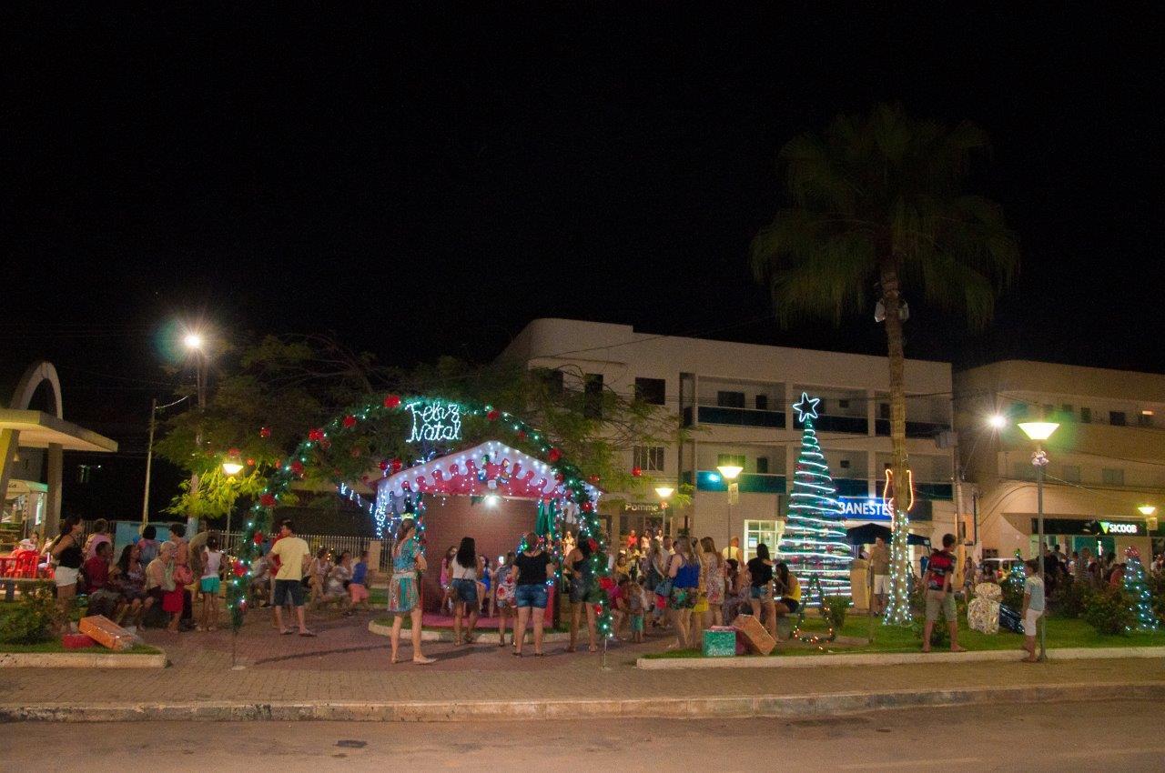 Programação especial de Natal movimentou a Praça Ana Mattos