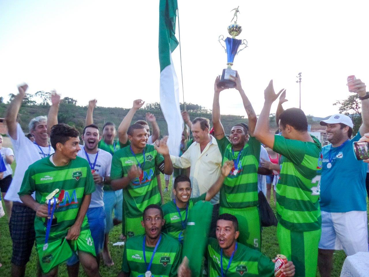 Força Verde e Santa Terezinha campeões do Campeonato Municipal de Futebol 2015