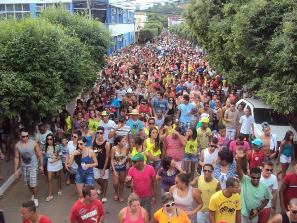 Blocos de rua animaram o Carnaval 2015 em Itarana