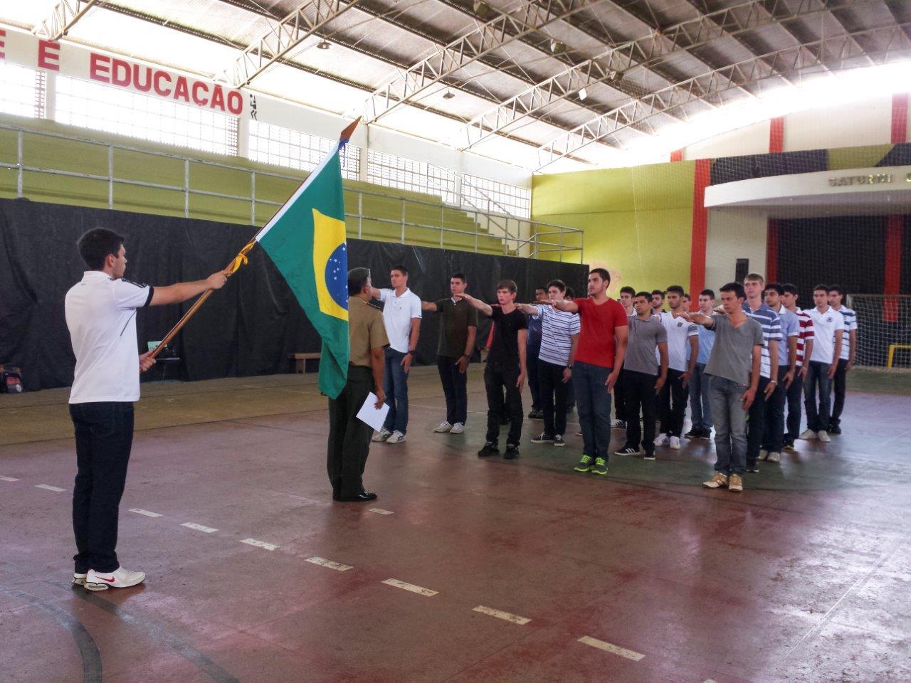 Jovens de Itarana fazem Juramento à Bandeira