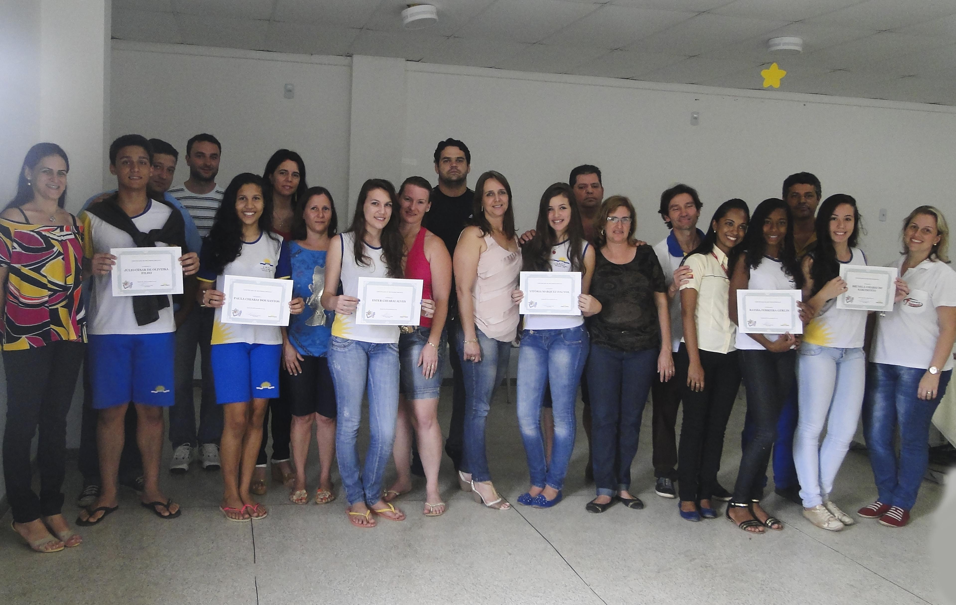 Alunos monitores de matemática são homenageados na Escola Luiza Grimaldi